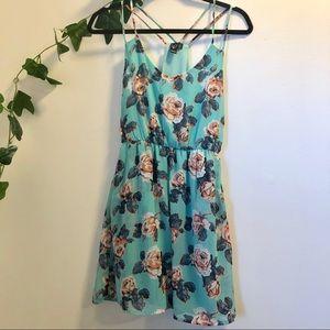 Dresses & Skirts - Blue floral dress S